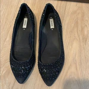 🎀 Guess flats  size 7.5 🎀